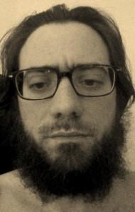 Legato i capelli ho tolto per primi i baffi, effetto inaspettato.